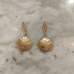 14K Gold Plated Clam Sea Shell Drop Earrings